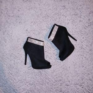 I. Miller black booties